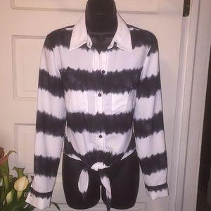 Front tie button down blouse nwot